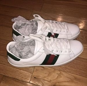 Other - Gucci sneaks